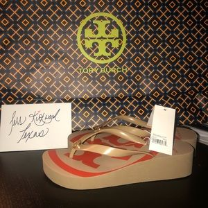 NIB Wedge Tory Burch Flip flops 👡👡